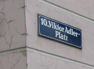 """""""Der Platz schreibt sich mit 'k', und die Person schreibt sich mit 'c'"""""""