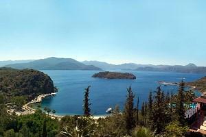 45 Meter über der türkischen Ägäis liegt das Hotelgebäude des Select Maris mit Blick auf eine der schönsten Buchten der Welt.Mehr Bilder gibt's in einer Ansichtssache.