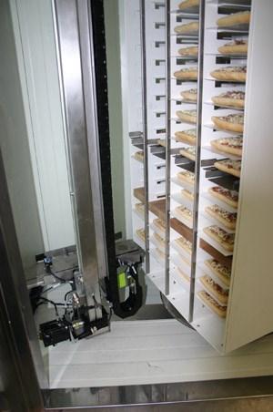 In einem Automaten finden 250 Stücke Platz.