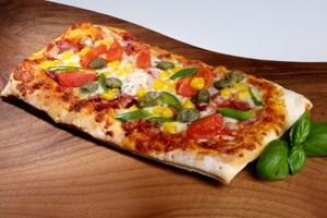 Ein Pizzastück soll zwischen 2,50 und drei Euro kosten.