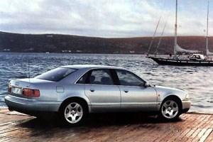"""1994: Die """"Umkehrung der Gewichtsspirale"""" mit dem Audi A8."""