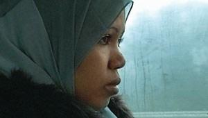 Abschiedsschmerz, weil der Freund in Traiskirchen zurückbleibt: Nura, am Weg ins Wiener Flüchtlingsheim