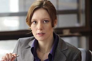 Ira Engel (Lavinia Wilson) will ihre Prämie, hat sie doch sonst keine Sicherheiten.