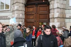 Die Aktion wurde friedlich beendet - die Studierenden zogen wieder ab.