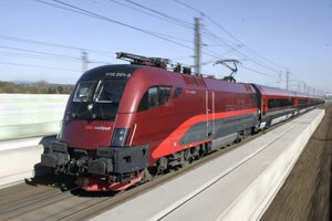 Mit Fahrplanwechsel im Dezember wird der Zug, der 230 Stundenkilometerfahren könnte, wenn es die Hochgeschwindigkeitstrasse dafür gäbe,zweimal täglich Zürich und Wien verbinden.