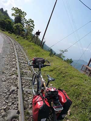 "Auf dem Spuren des ""Toy Trains"" nahe Darjeeling."