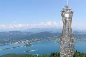 Der Entwurf für den neuen Turm stammt vom Architekturbüro Klaura + Kaden.Visualisierung: H.Kramer; www.panovision.at
