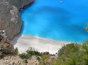 Artikelbild: Tausende Inseln in der Ägäis und im Ionischen Meer sind unbewohnt. Diese hier nicht: Zakynthos. - Foto: derStandard.at/Eva Kraus