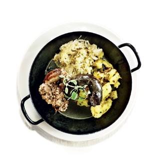 ... die Küche zeigt neben köstlichen lokalen Derbheiten, dass sie auch die feine Klinge beherrscht.