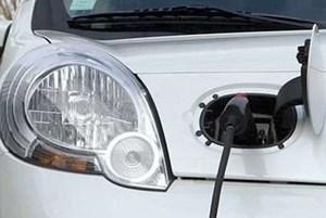 Die Elektrizität ist nicht mehr zu bremsen, die Hybridisierung längst im Gang, aber der Verbrennungsmotor wird noch lange das Herzstück des Automobils bleiben.