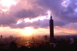 """Der """"Taipei 101 Tower"""" wurde 2004 als der höchste Wolkenkratzer der Welt eröffnet. """"To bring Taipei to the World"""", wie Bürgermeister Ma Ying-jeou damals erklärte."""