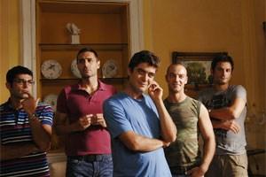 Tommaso (Riccardo Scamarcio) mit Bande.