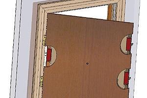 Eine Sicherheitstür muss vor allem stabil sein: Dafür können massive Stahlstäbe im im Türblattinneren sorgen, die mit senkrechten Stabilisatoren fest verschraubt sind.