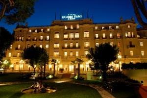 Grand Hotel Rimini, Parco Federico Fellini, Tel.: 00 39/0541/560 00, Rimini.