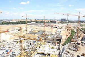 Von der Aussichtsplattform aus, kann man die gesamte Hauptbahnhofbaustelle überblicken.