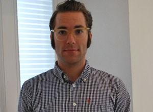 """Milo Tesselaar (28) ist ein LOHAS, bezeichnet sich aber nicht als ein solcher. Er stammt aus Graz, lebt in Wien und hat die Idee eines Magazins realisiert, das ökologisch-soziale Werte in einen neuen Kontext setzt sowie in einer neuen sprachlichen und visuellen Ästhetik präsentiert. 2007 ist """"BIORAMA - Magazin für nachhaltiges Leben mit Stil"""" gemeinsam mit dem Wiener Verlag Monopol entstanden."""