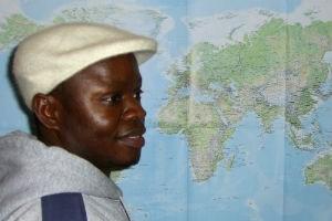In Nigeria leitete Samson Ogiamien eine Bildhauerwerkstatt.