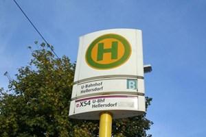 """Mit öffentlichen Verkehrsmitteln ist man von Hellersdorf aus in einer halben Stunde am """"Alex"""", wie der Alexanderplatz von den Berlinern kumpelhaft genannt wird."""