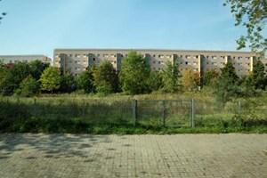 """Auf dieser Brachfläche befand sich einst eine Kindertagesstätte. So manche dieser """"Gstettn"""", wie man in Wien sagen würde, ist mittlerweile ..."""
