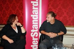 """Moderiert wurde das """"Offline-Forum"""" von Daniela Kraus (Medienhaus Wien)."""