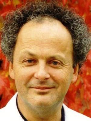 Ao. Univ. Prov. Dr. MAXIMILIAN MOSER (54) ist Gründer und Leiter des Human Research Instituts für Gesundheitstechnologie und Präventionsforschung in Weiz und Professor für Physiologie an der Medizinischen Universität Graz.
