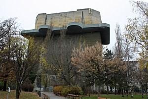 Der Leitflakturm im Arenbergpark im dritten Bezirk ist seit Jahrzehnten verschlossen.