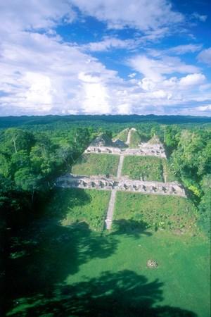 Maya-Tempel in Caracol.