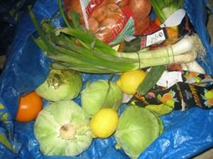 Obst, Gemüse, Brot, Milchprodukte - in der Stadt landet naturgemäß mehr im Mist als auf dem Land.