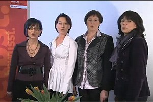 Im Sprech-Chor (v.l.n.r.): Verena Steinlechner-Graziadei, Sonja Ledl-Rossmann, Resi Schiffmann, Martha Schultz.