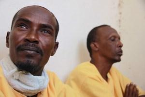 Pirat Farah (46, links) im neueröffeneten Gefängnis in der somaliländischen Hauptstadt Hargeisa