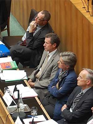 Politik und Experten: Philosoph Liessman, die Minister Töchterle und Schmied, Theologe Paul M. Zulehner.