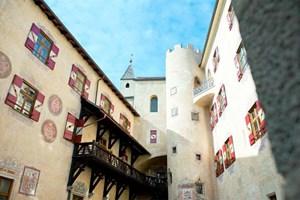 Auf Schloss Bruneck wird demnächst das neue Messner Mountain Museum Ripa eröffnet.MMM Ripa auf Schloss Bruneck: Eröffnung 3. 7. 2011 Tel.: 0039/0471/63 12 64Allgemeine Informationen: www.suedtirol.info