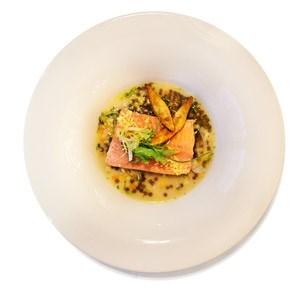 Im Amarantis bieten der geschliffene Service und die ausgefeilte Küche eine sehr überzeugende Performance.