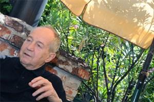Das Leben hält er nur über den Umweg des Theaters aus, sein Leben sind onanistische Übungen eines Theaterers: Otto Schenk.