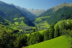 Blick ins Pöllautal.Informationen: Tourismusregion Katschberg-Rennweg