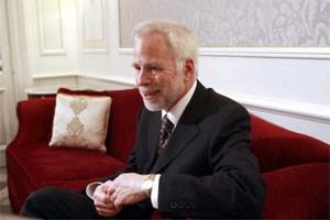 US-Ökonom Barry Eichengreen rät zur Erhöhung der Schulden- obergrenze bis nach den Präsidentschaftswahlen 2012. Danach hätte das Land genug Zeit, das US-Defizit in den Griff zu bekommen.