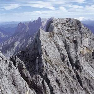 Gesamtgehzeit 8 Stunden, Höhendifferenz 1500 Meter. Ennstaler Hütte bis Ende Oktober bewirtschaftet. ÖK25V Blatt 4208-Ost (St. Gallen) und 4309-West (Hieflau), Maßstab 1:25. 000