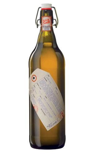 Monatsbier im August, gebraut für die Stiegl-Brauerei: Rötlich-bernsteinfarbenes Lagerbier mit einer feinen Hopfenblume, vollem Körper und einem milden, nicht zu bitteren Nachtrunk.