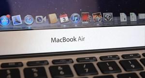 Apples neues Betriebssystem Mac OS X 10.7 Lion ist am Air vorinstalliert - Features wie Vollbild-Apps, stärkerer Fokus auf Toucheingaben und die Resume-Funktion können sind am Air besonders sinnvoll.