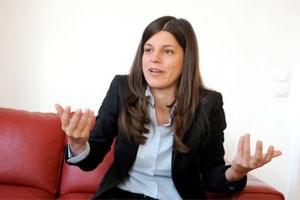 """""""Ich versuche ja auch nicht, Themen, die ich für das Land für wichtig halte, mit einem Flugblatt unter die Leute zu bringen"""", erklärt Laura Rudas ihren Zugang zu den Medien."""