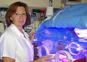 Oberärztin Brigitte Bechter arbeitet schon seit 30 Jahren als Neonatologin