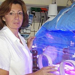 """Brigitte Bechter hat in über 30 Jahren als Neonatologin schon vielen Frühchen """"über den Berg"""" geholfen--> Reportage: """"Eine Handvoll Mensch"""""""