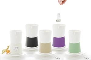 """Te a me"" nennt sich das Designstück, bei dem man den Teebeutel an der Tasse einhängen kann."