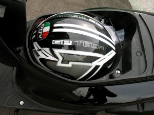 Es ist kein Problem, für den Vision, einen Helm zu verstecken.