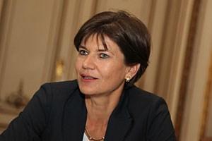Michaela Keplinger-Mitterlehner (45) studierte Psychologie, Philosophie und Geschichte. Seit mehr als zwanzig Jahren ist sie im Bankgeschäft, seit 2007 Vorstandsdirektorin der RLB OÖ.