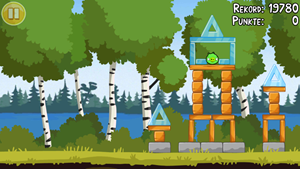 Mit dabei sind auch ein paar Spiele, etwa Angry Birds oder NFS Shift.