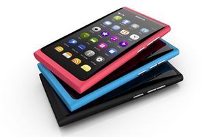 Das Design des Nokia N9 ist wirklich gut gelungen, zudem liegt es bestens in der Hand, auch sonst gibt es an der Verarbeitung nichts zu bemäkeln.