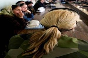 Der Frauenanteil soll in zehn Jahren von derzeit zwei Prozent auf zehn bis 15 Prozent erhöht werden.