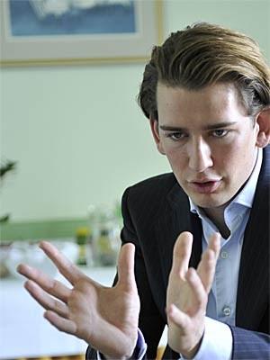 Sebastian Kurz ärgert sich über die Ideologiedebatte und spielt dennoch mit: Eine Gesamtschule wird's nicht geben, sagt er.