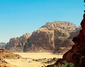 """Eine gespielte Weltreise: Die Berge des Wadi Rum standen Pate für einen Teil der Kulissen in Sonys aktuellem Videospiel-Flaggschiff """"Uncharted 3""""."""